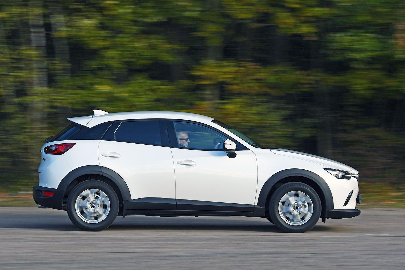 Mazda CX-3 driving