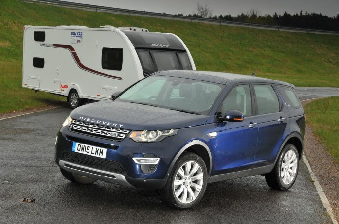 Land Rover Discovery Sport with caravan