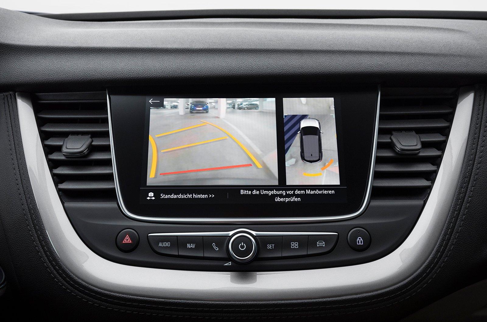 Vauxhall Grandland X reversing camera