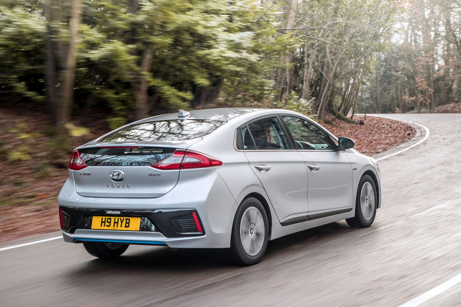 Hyundai Ioniq 2018 rear right tracking shot