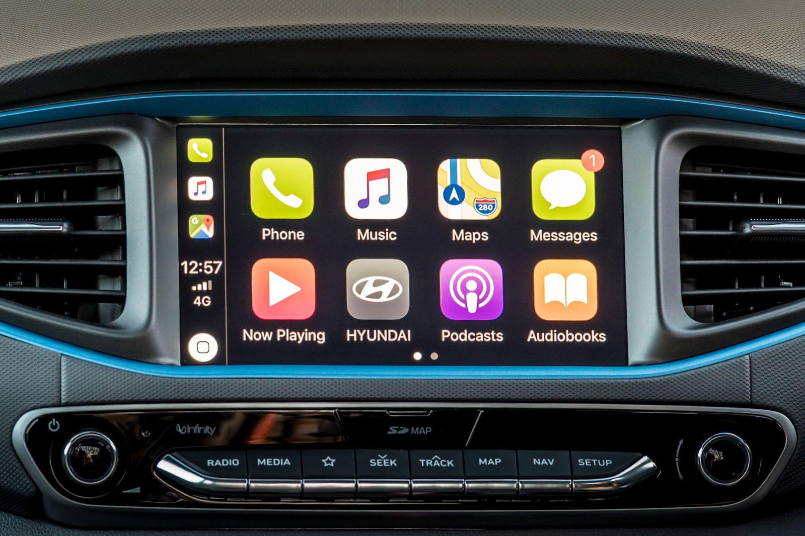 Hyundai Ioniq 2018 infotainment