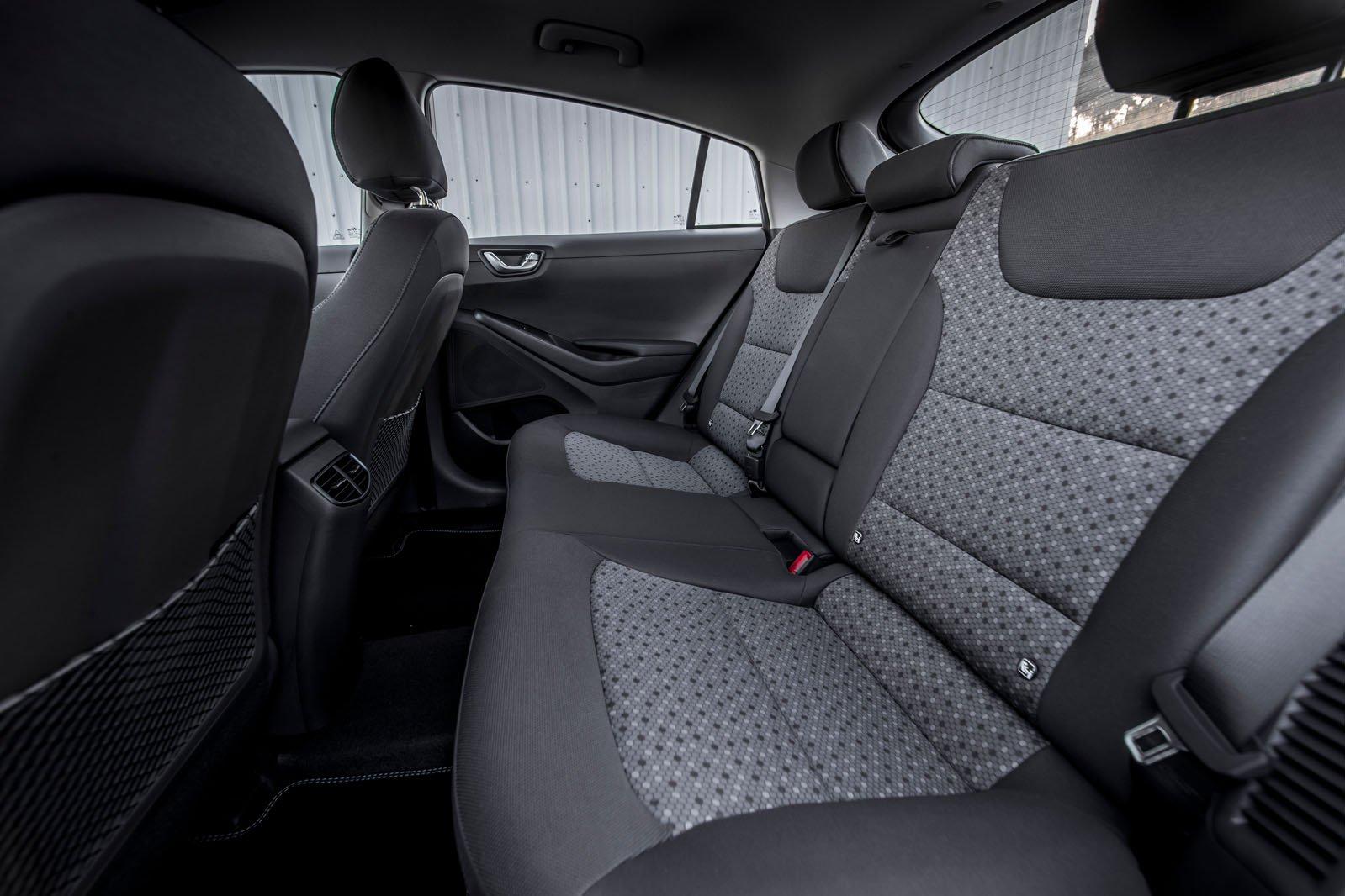 Hyundai Ioniq 2018 rear seats