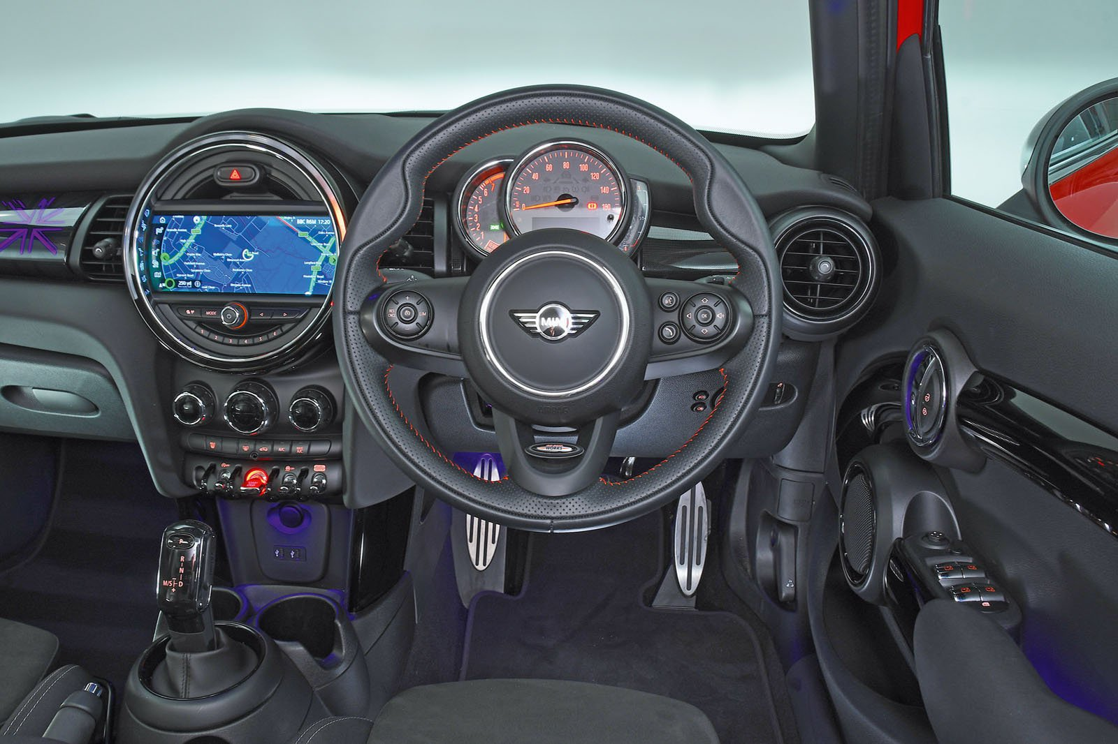 Mini 5dr interior