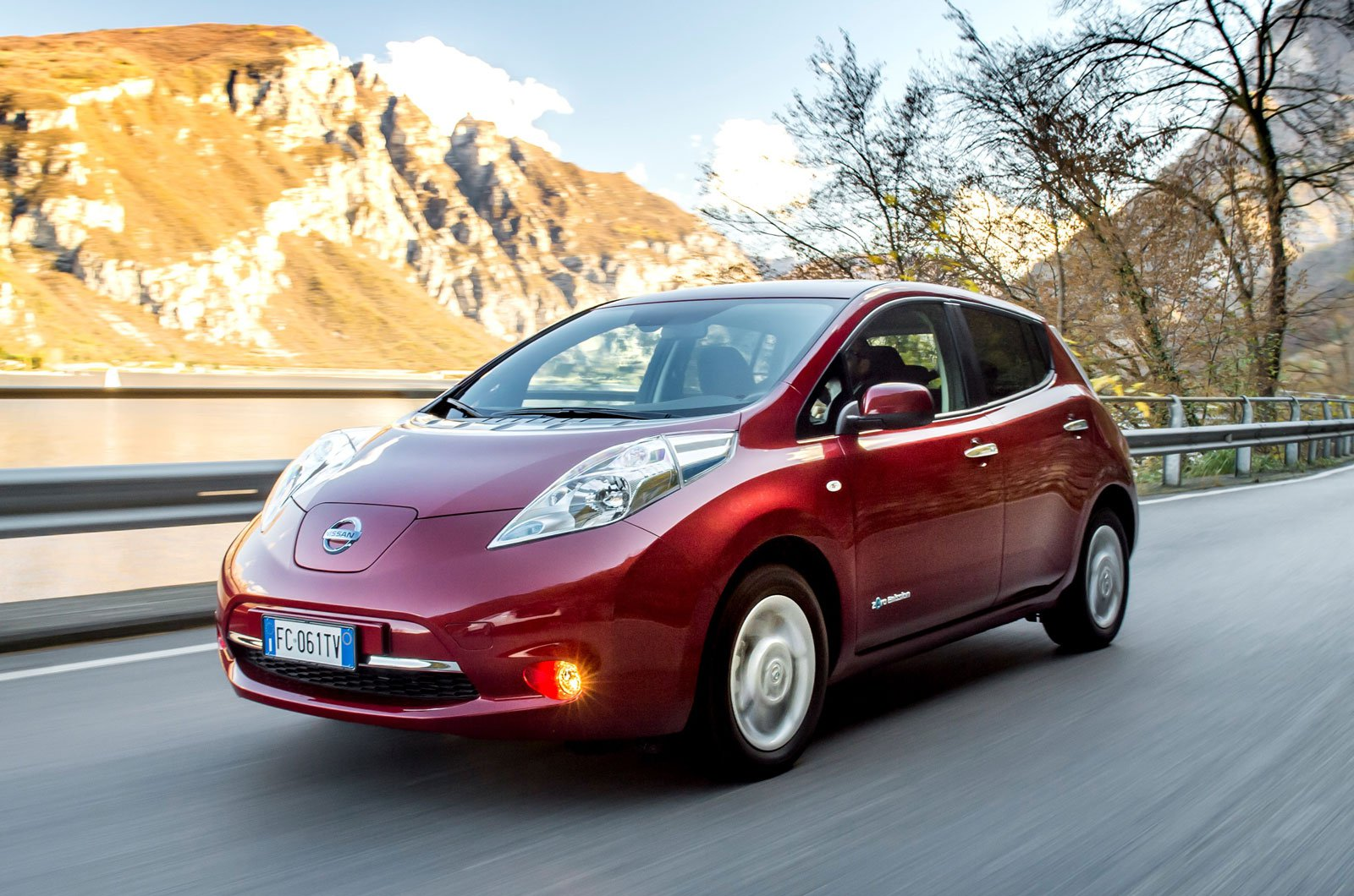 Electric Cars May Offer Running Costs But They Can Be Expensive To And Have Less Range Than With Conventional Engines
