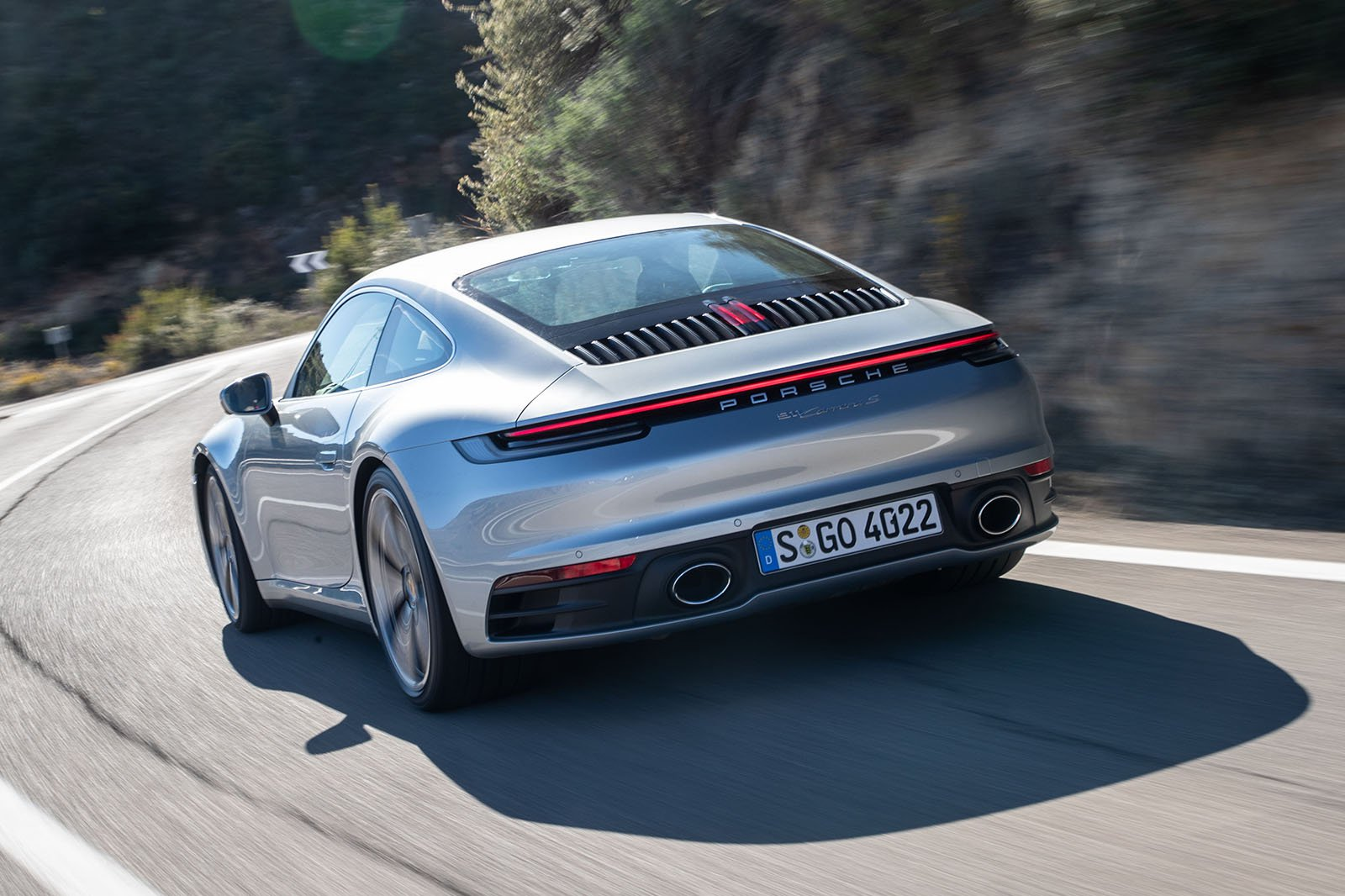 Porsche 911 992 2019rear left tracking shot
