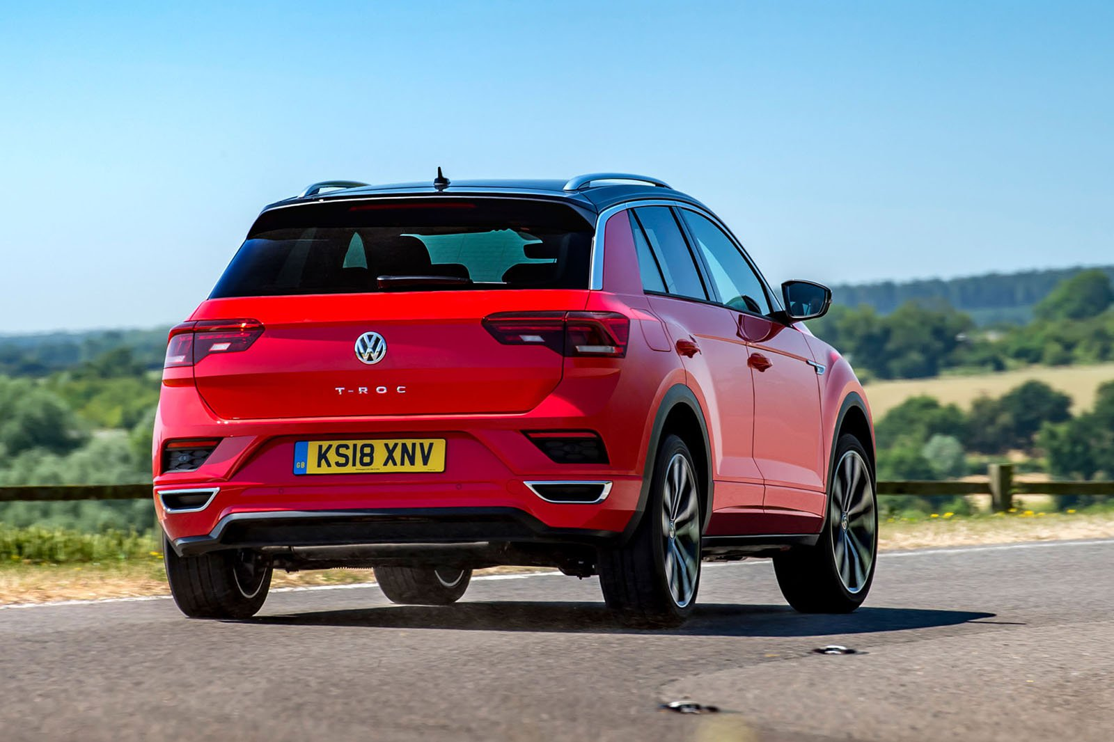 Volkswagen T-Roc 2018 rear right cornering shot