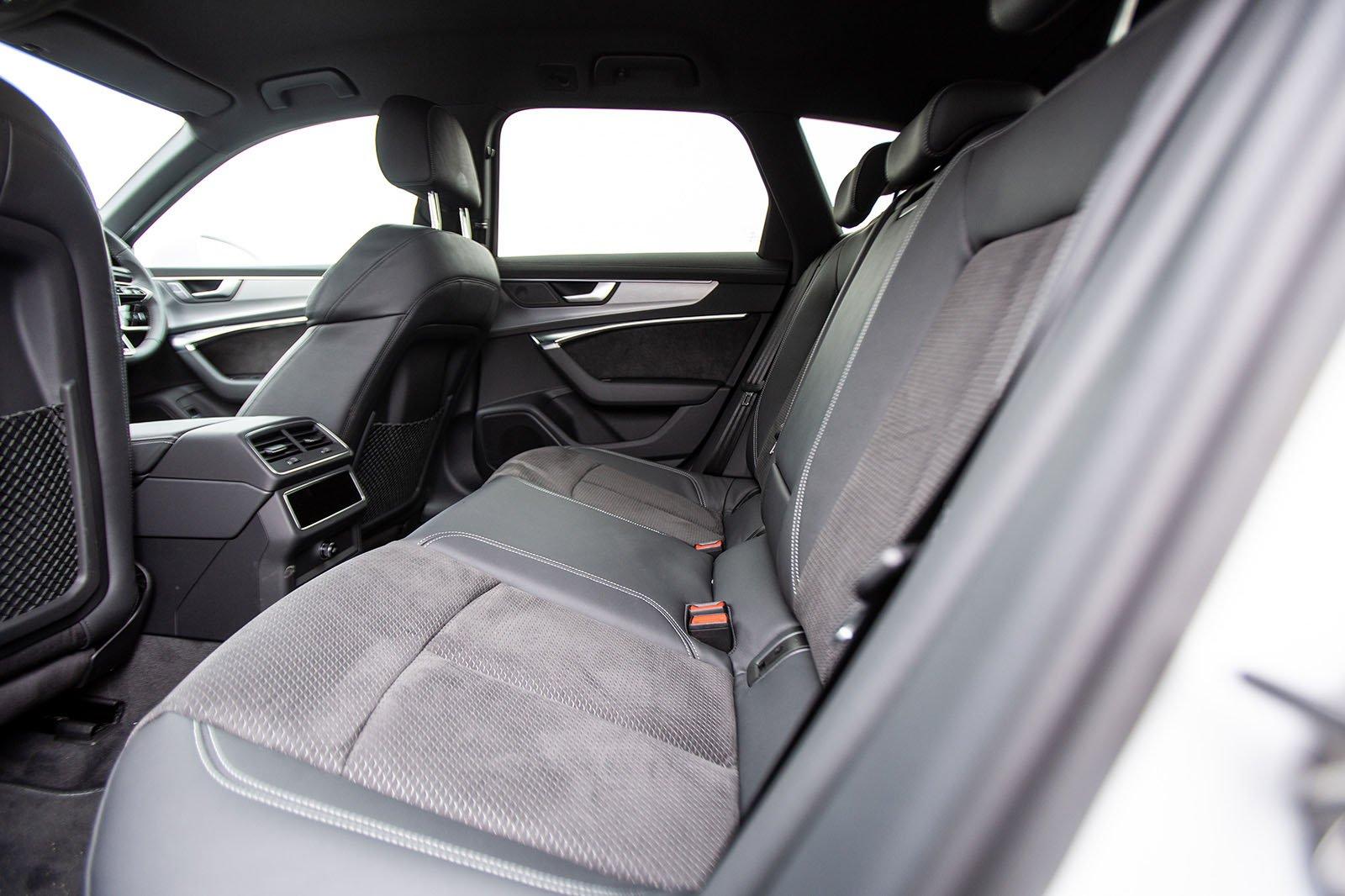 Audi A6 Avant 2019 rear seats