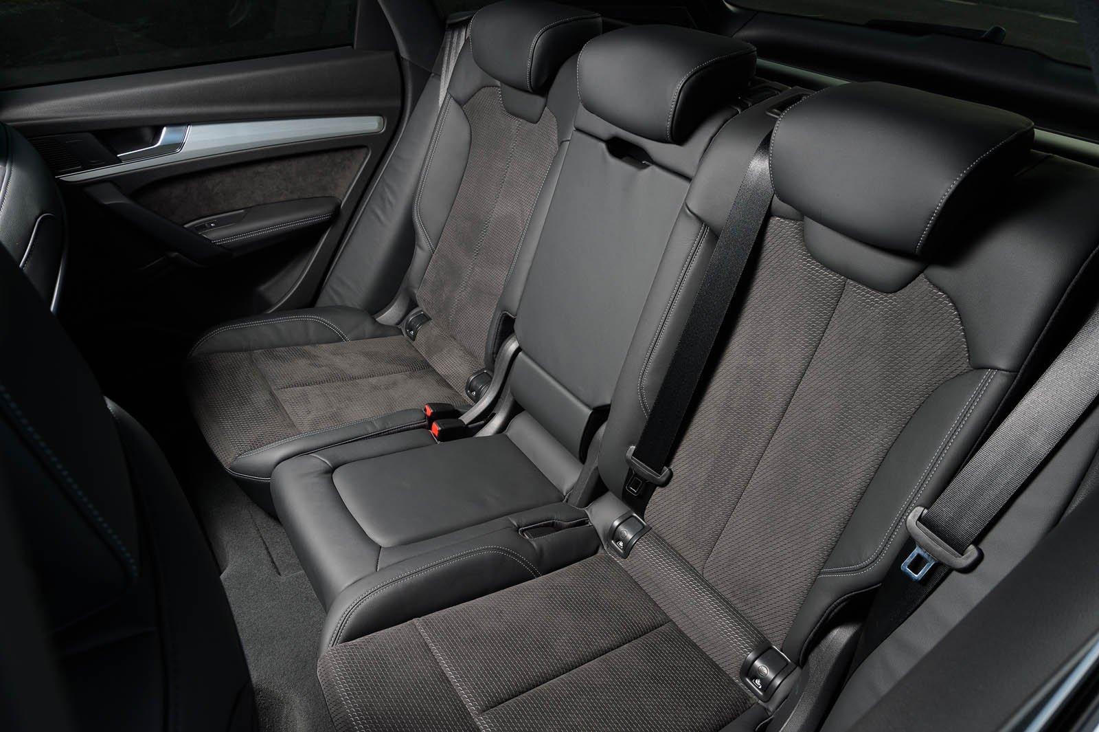 Audi Q5 2019 rear seats