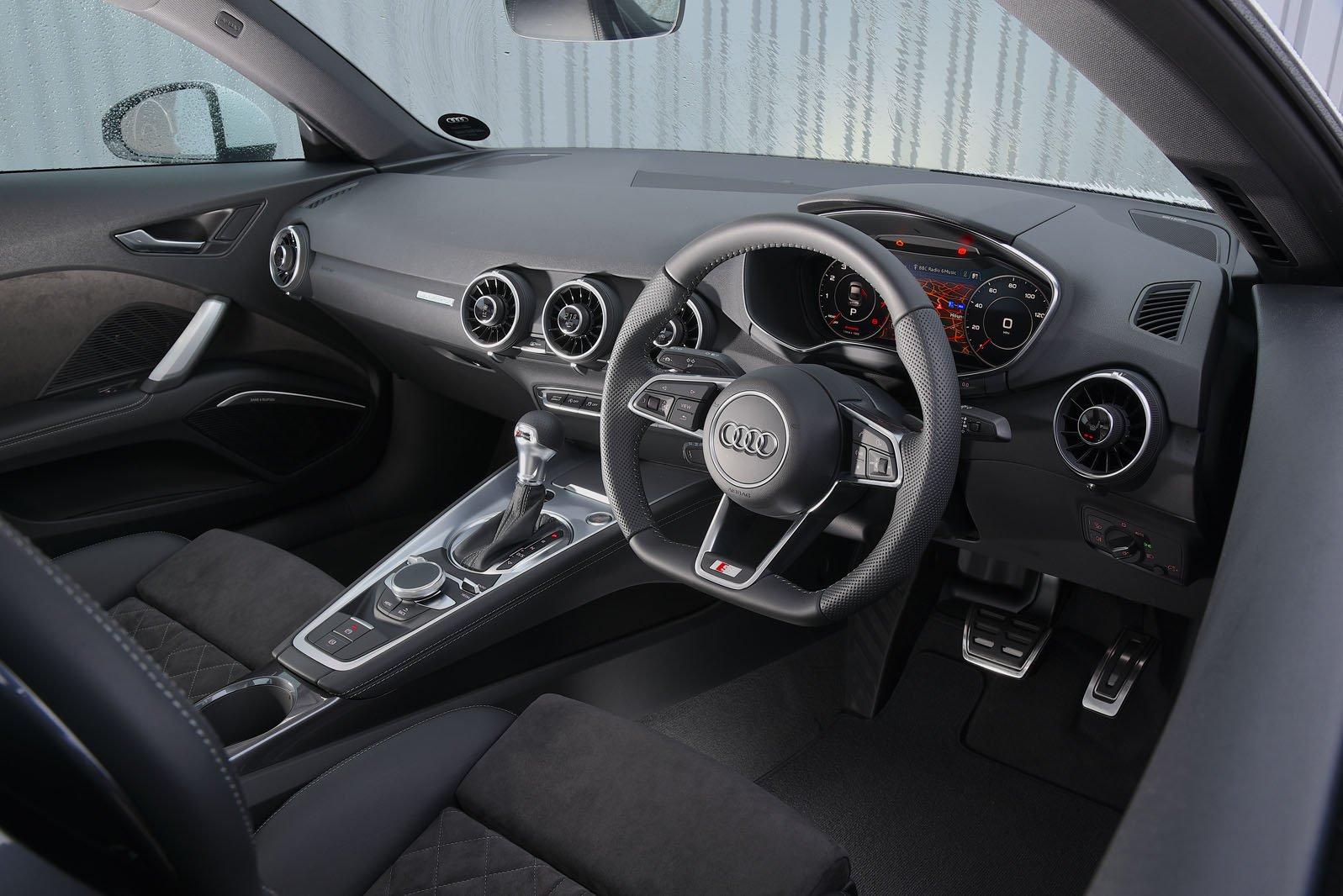 Audi TT 2019 RHD dashboard