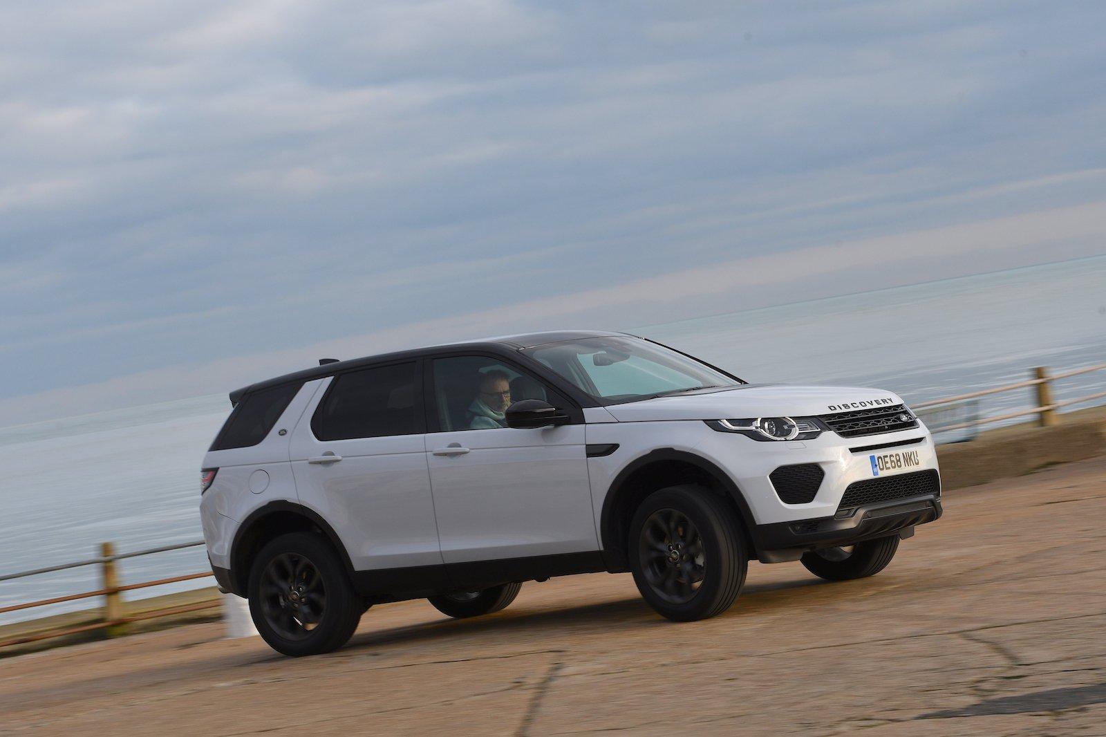 2019 Land Rover Discovery Sport Landmark side