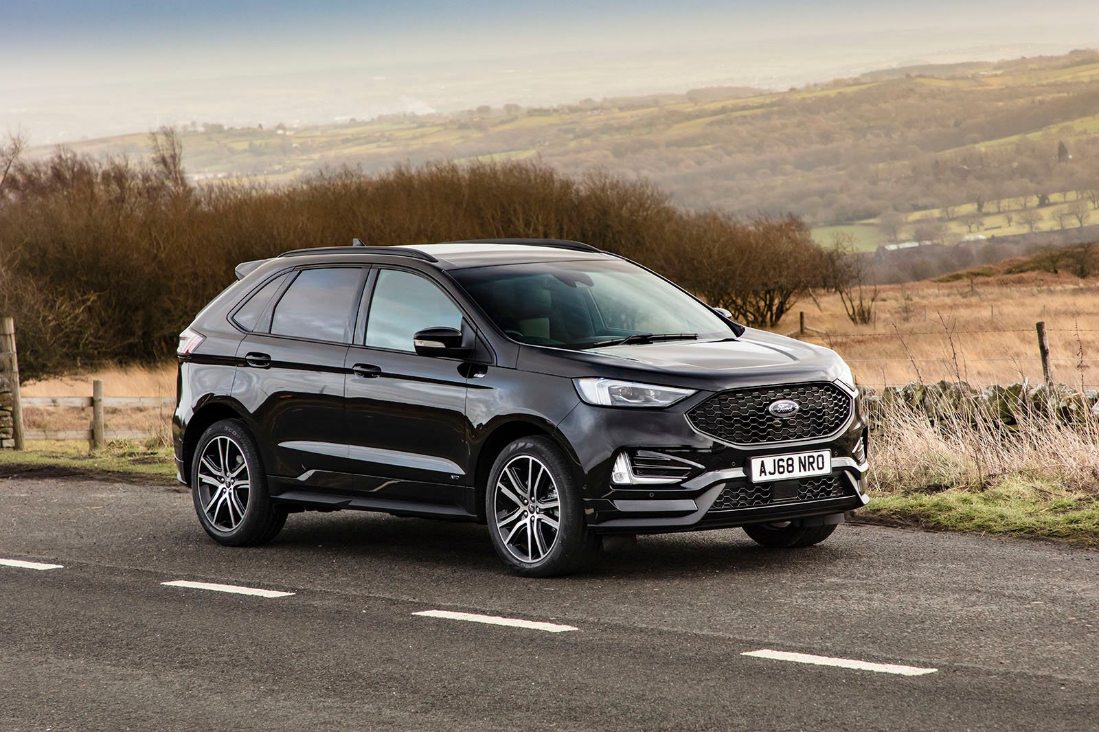 Ford Edge 2019 wide front tracking