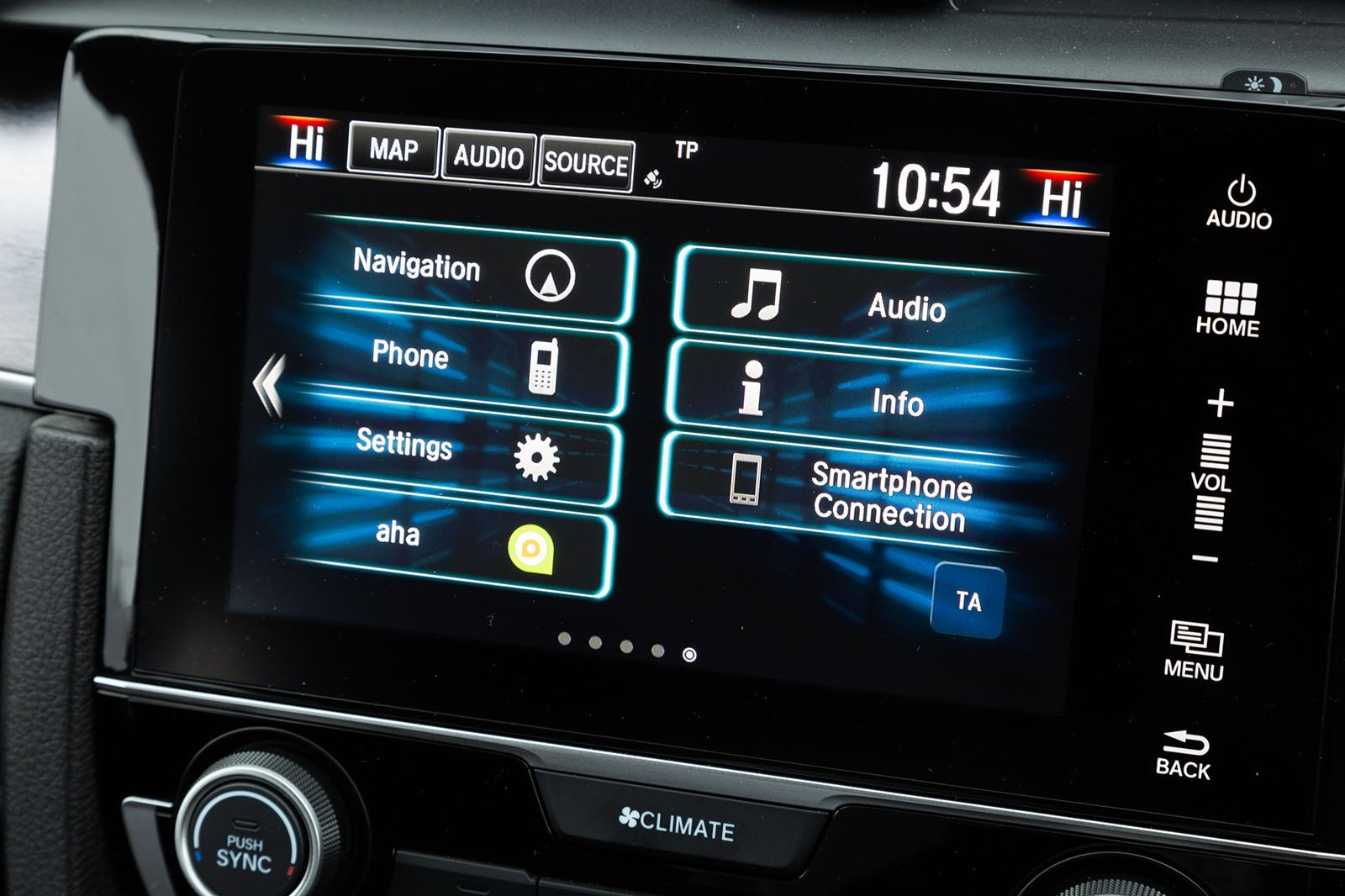 Honda Civic Saloon 2019 infotainment