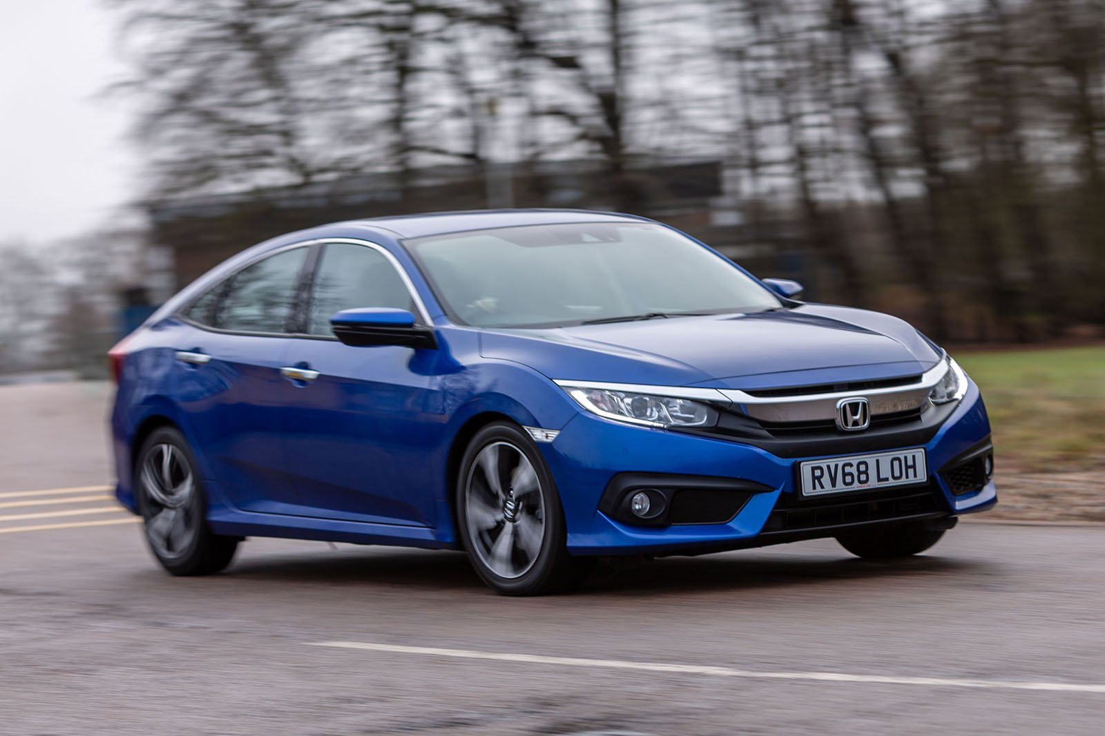 Honda Civic Saloon 2019 right hand cornering shot