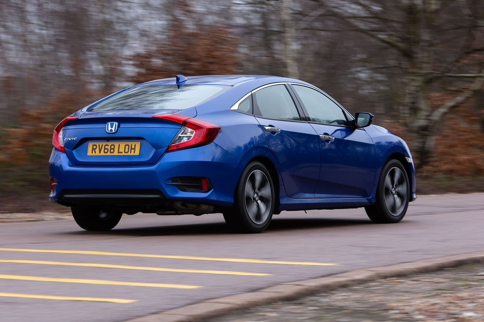 Honda Civic Saloon 2019 right hand rear cornering shot