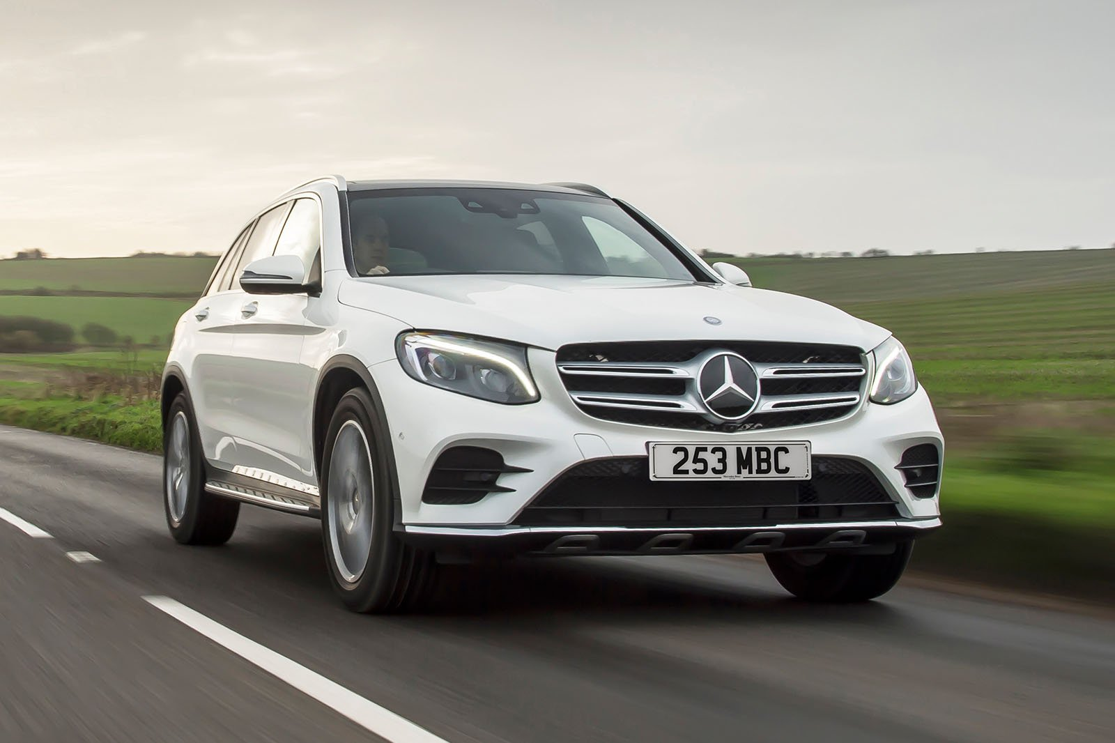 Mercedes GLC 2019 front tracking
