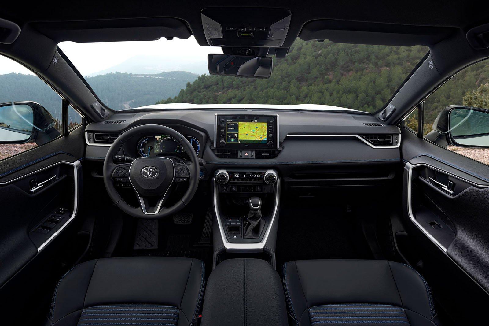Toyota RAV4 2019 LHD dashboard