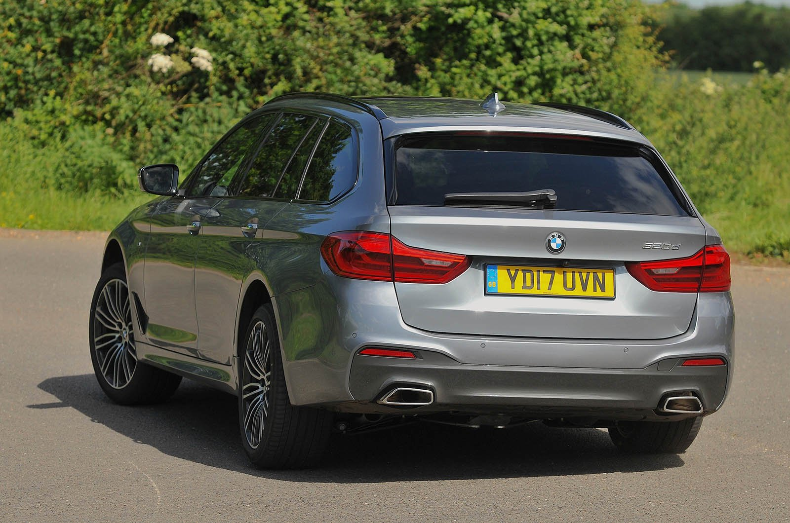 New Skoda Superb Estate Vs Used Bmw 5 Series Touring Which Is Best