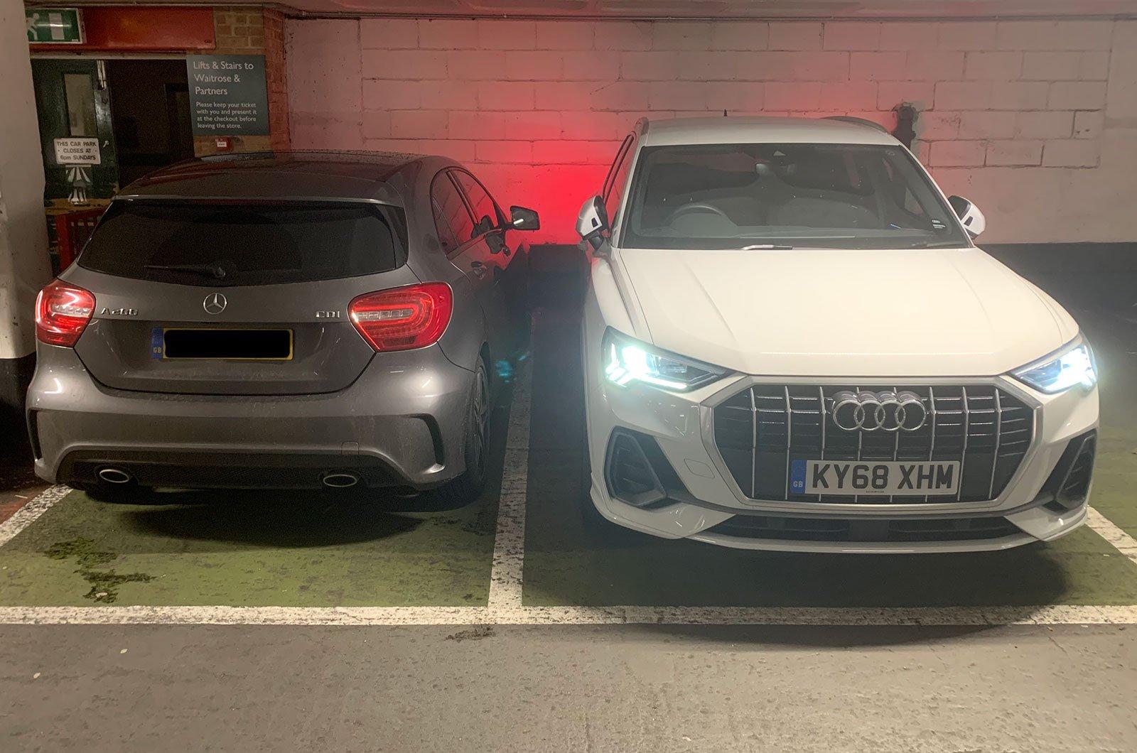 Audi Q3 parking