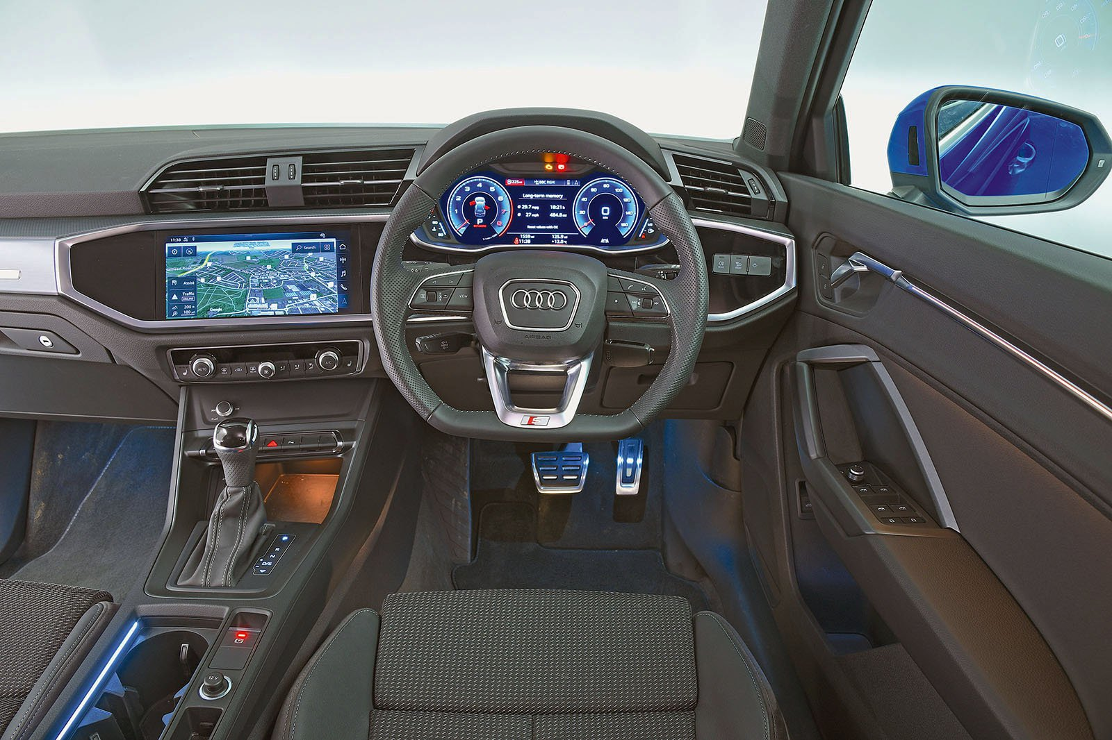 New Audi Q3 vs New Volvo XC40 | What Car?