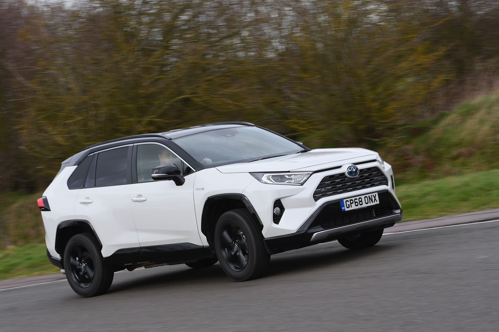 Toyota RAV4 2019 wide tracking shot