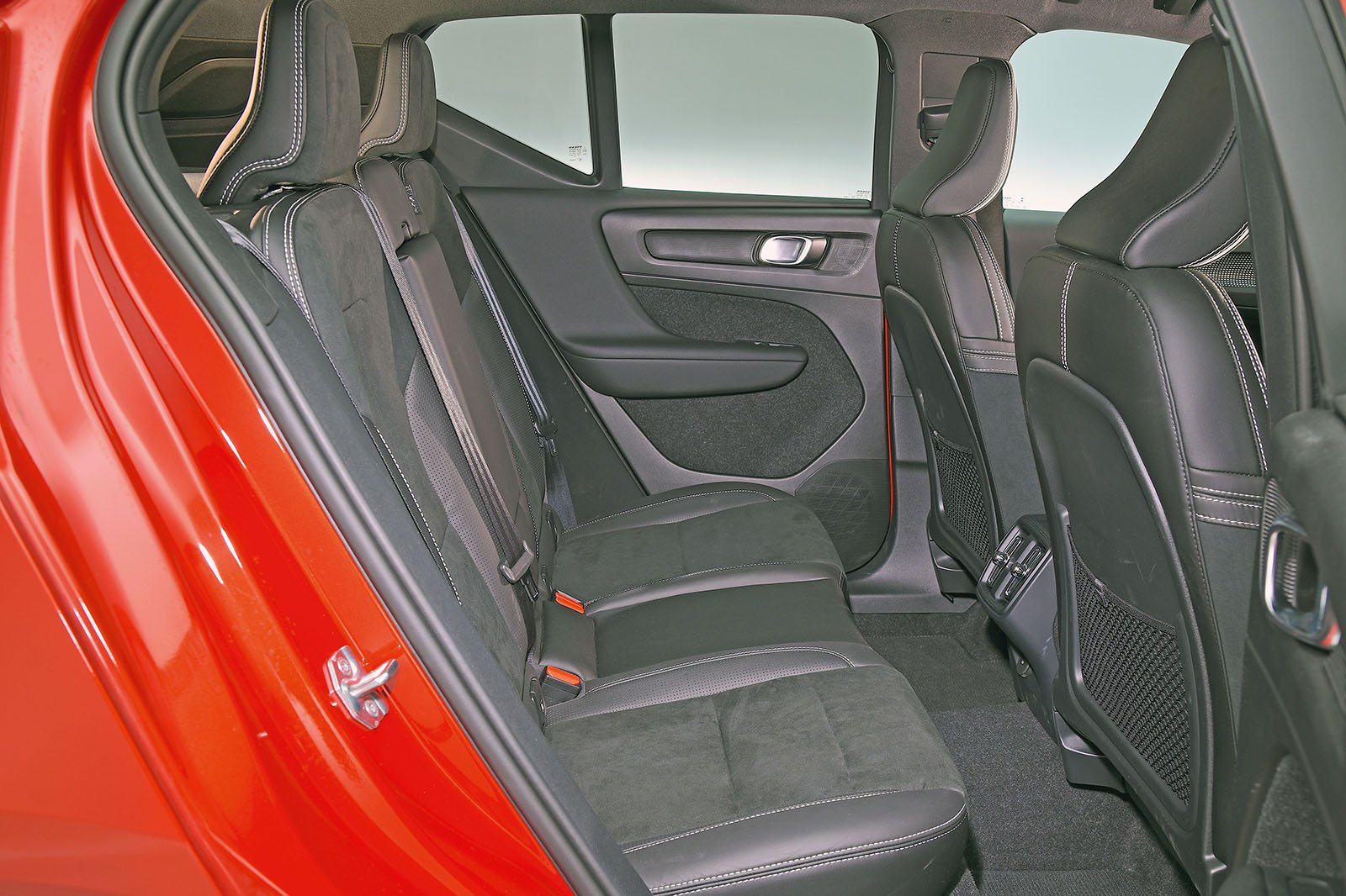 Volvo XC40 back seats
