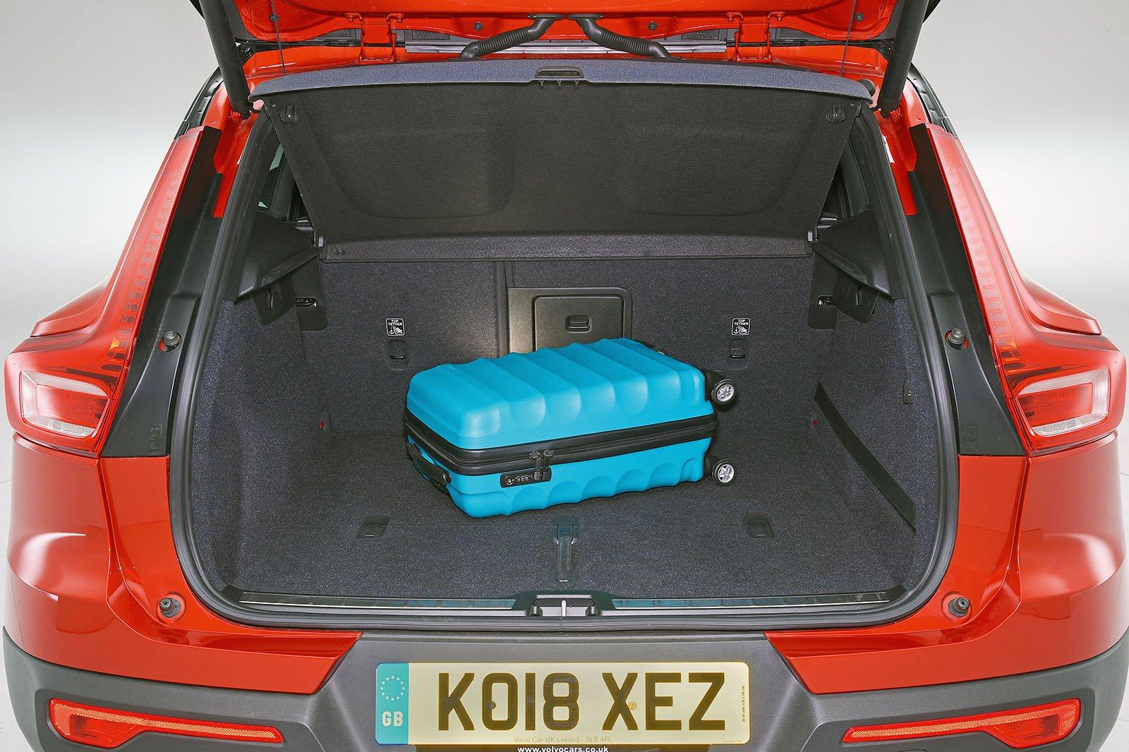 Volvo XC40 boot