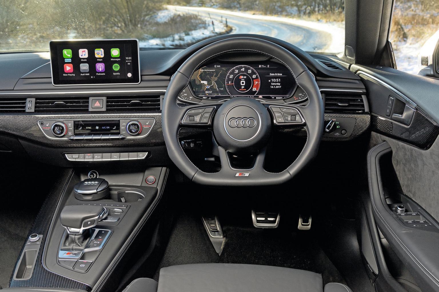 10: Audi A5 2.0 TDI - interior