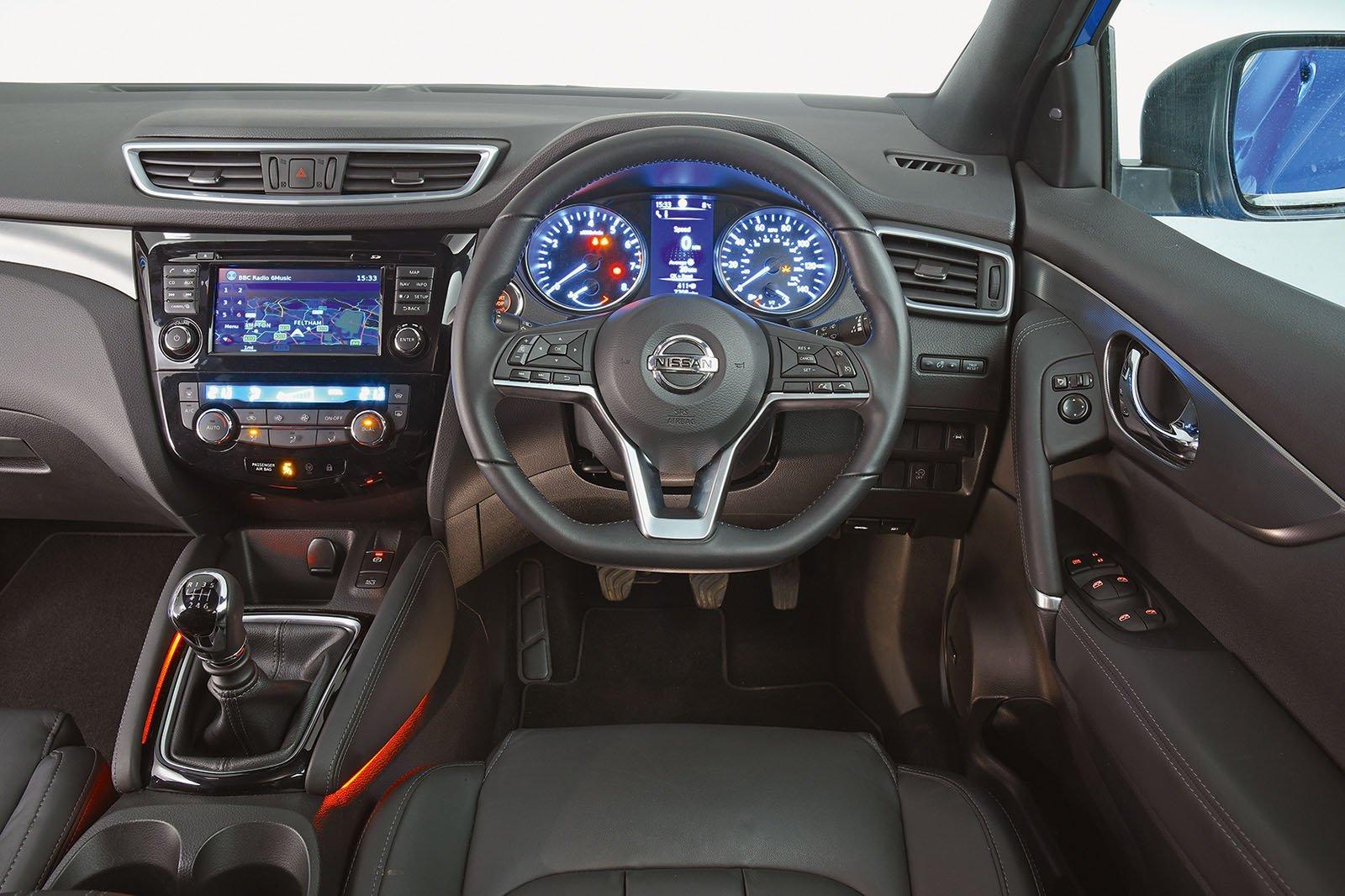 6: Nissan Qashqai 1.5 dCi 110 - interior