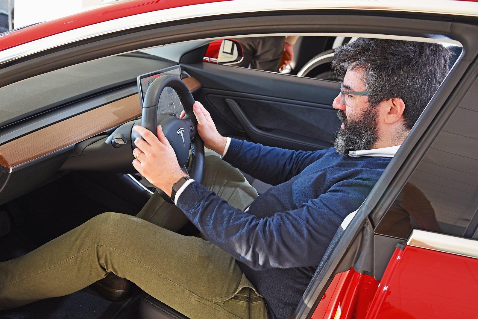2019 Tesla Model 3 - reader test team review | What Car?
