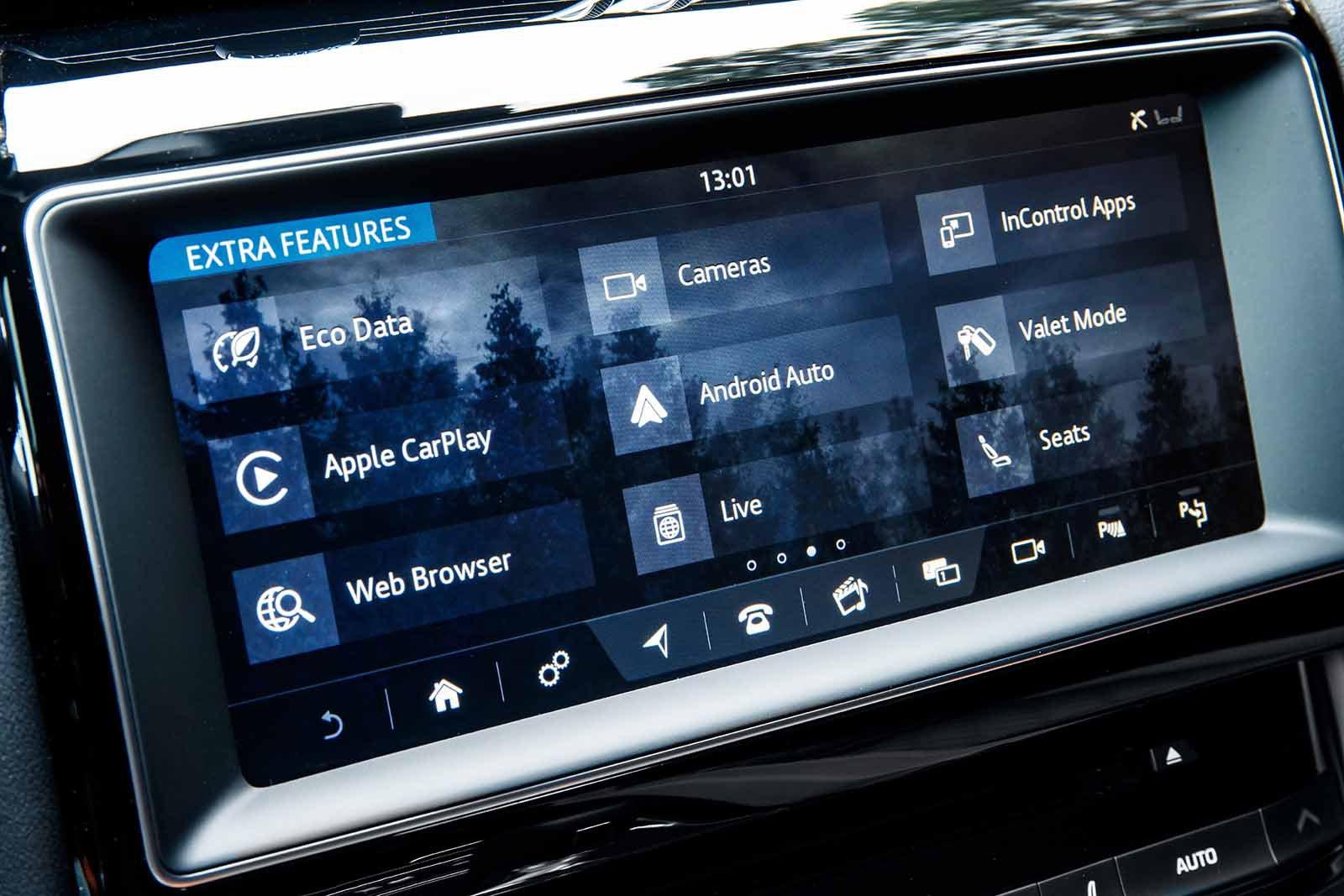 Jaguar F-Pace SVR 2019 launch LHD infotainment