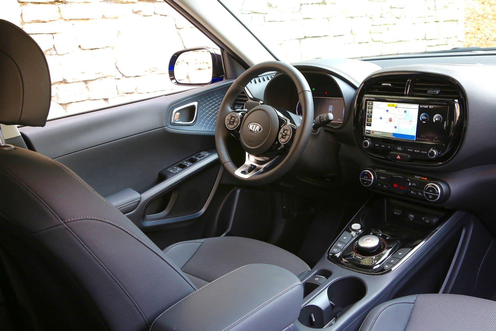 Kia Soul EV 2019 LHD dashboard