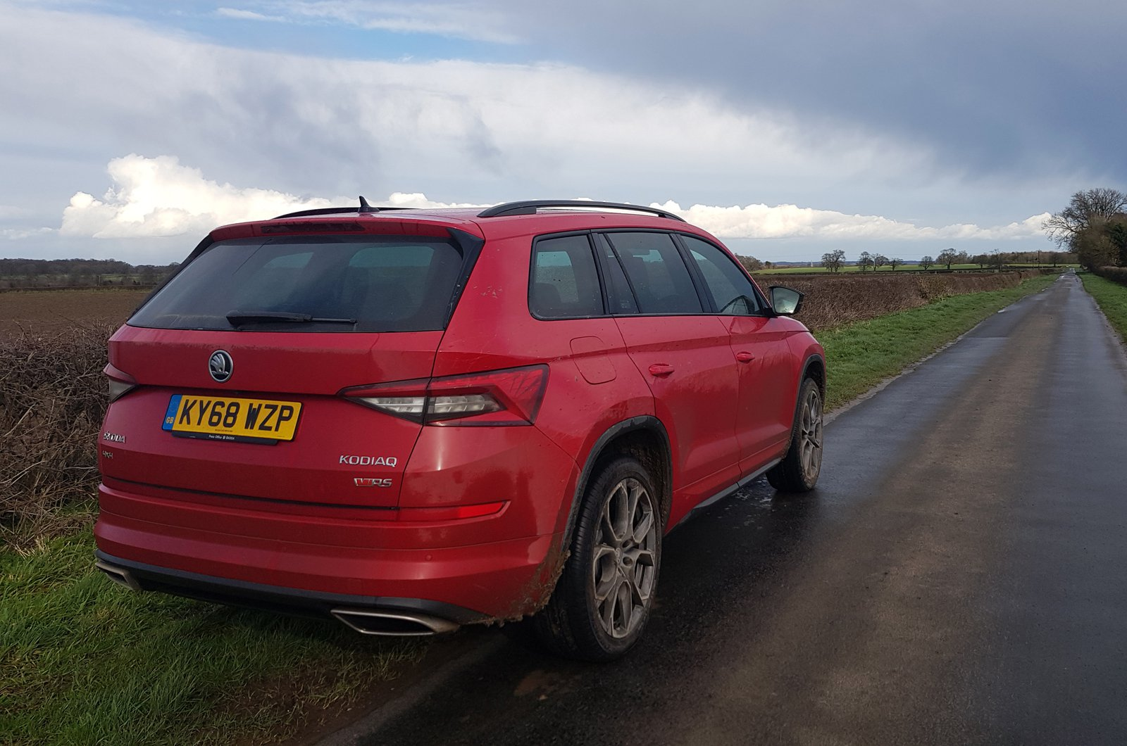 LT Skoda Kodiaq vRS on country lane