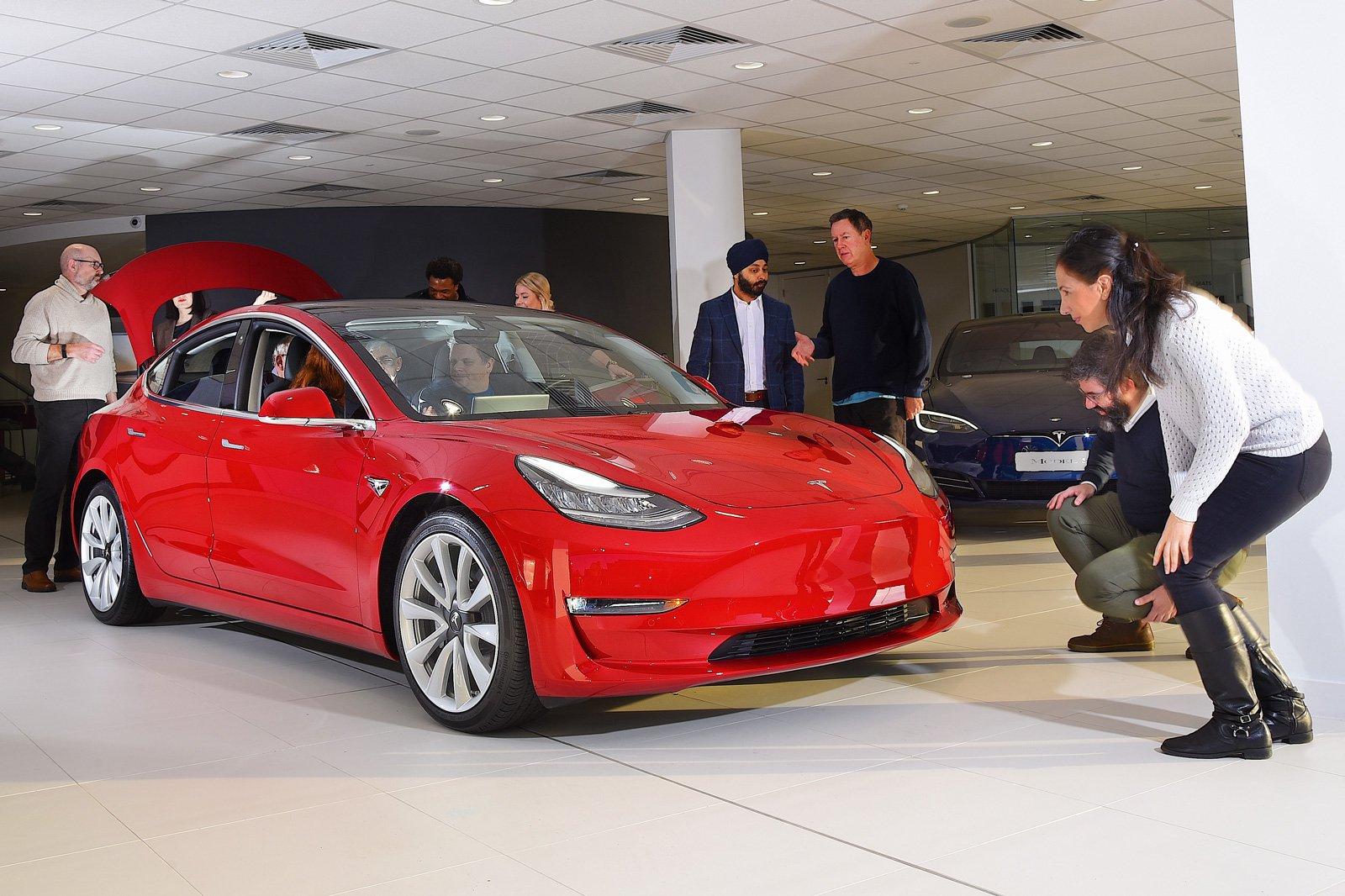 Tesla Model 3 reader test team