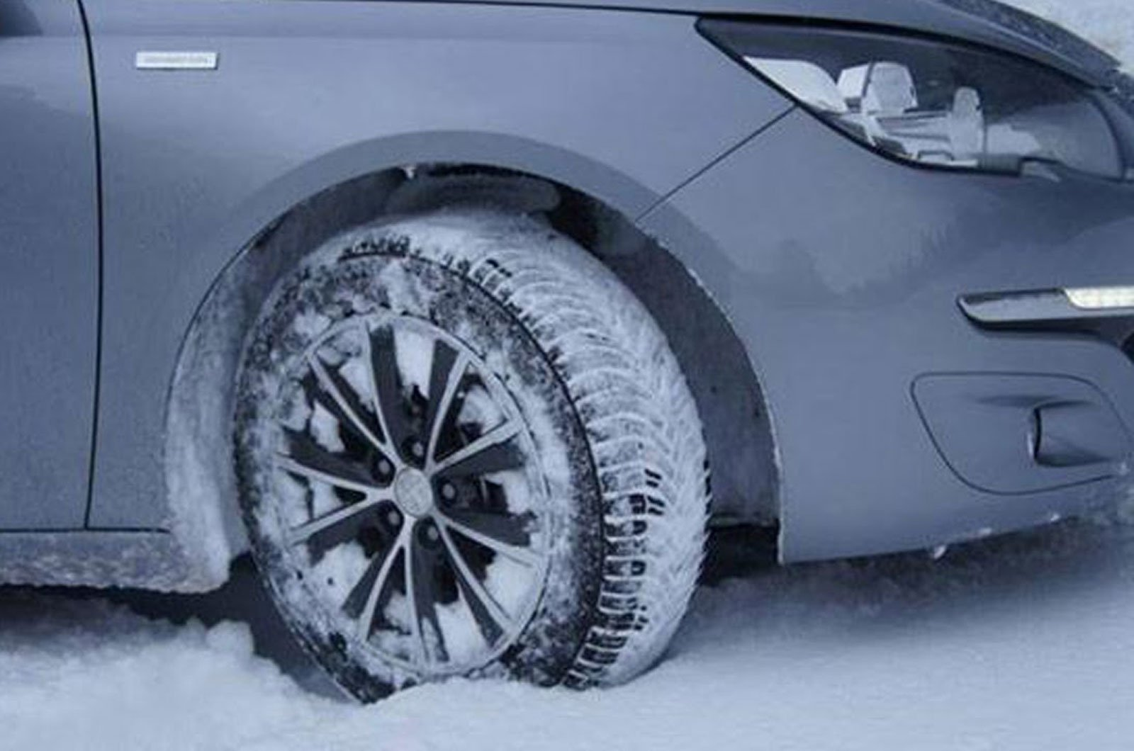 Car with all season tyres