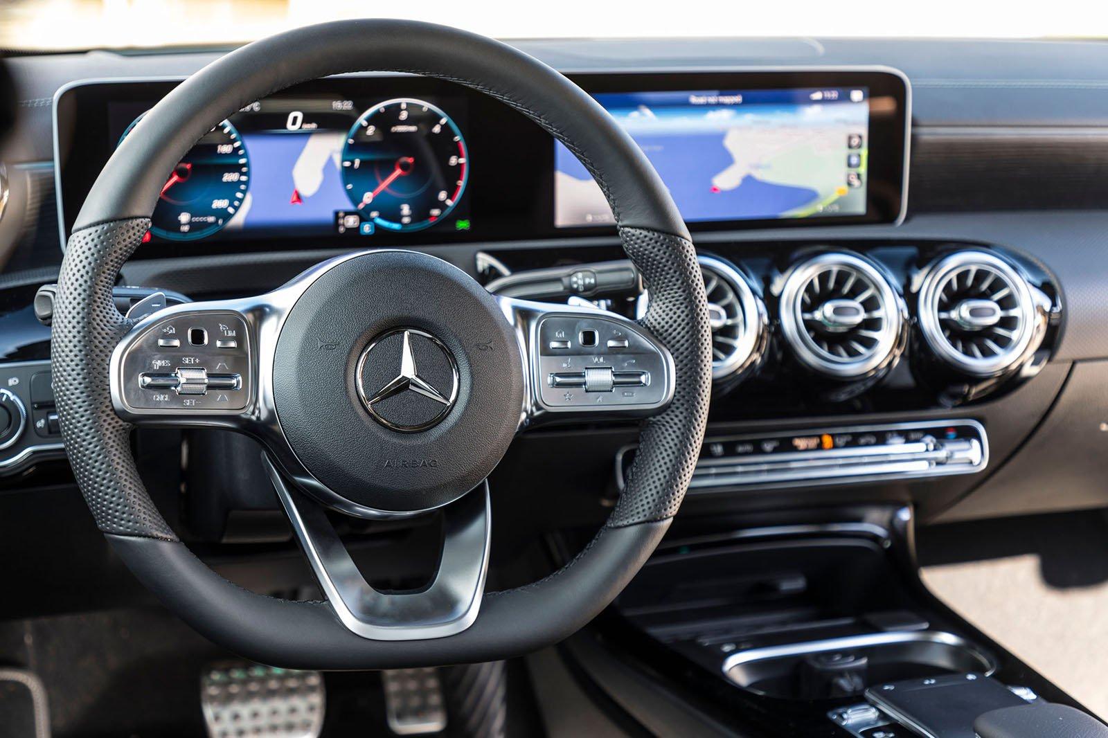 Mercedes CLA 2019 LHD dashboard