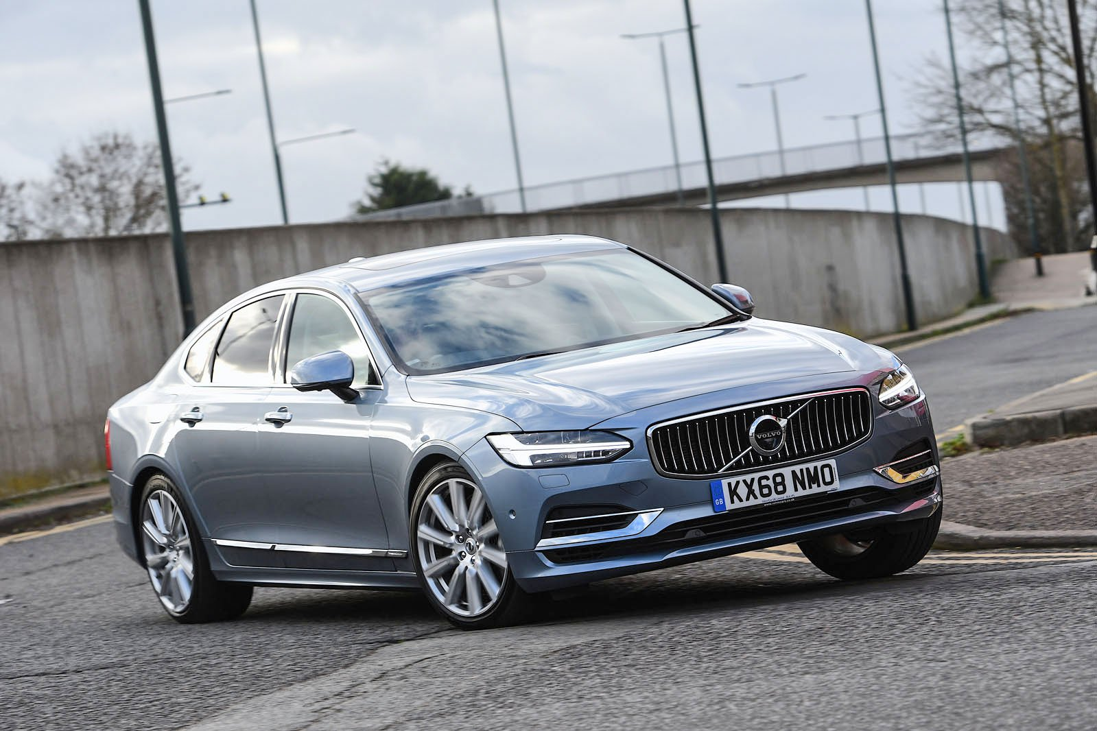 Volvo S90 driving