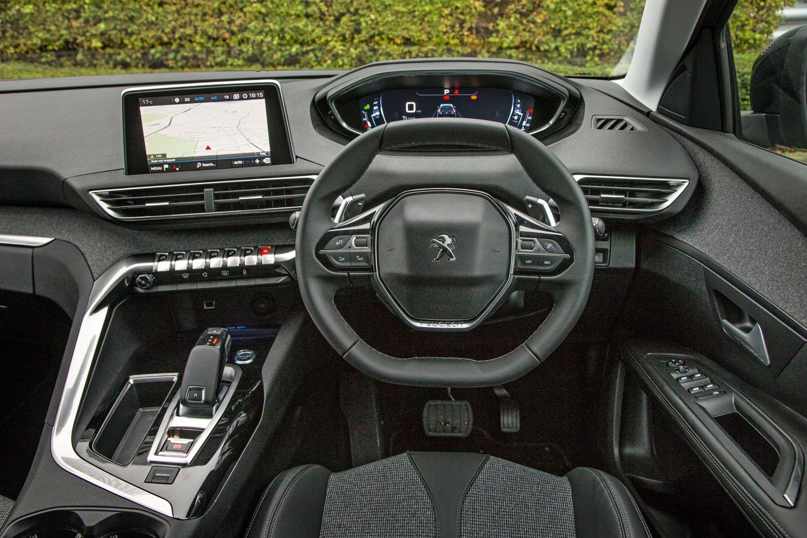 2018 Peugeot 5008 1.6 BlueHDi Allure auto - interior