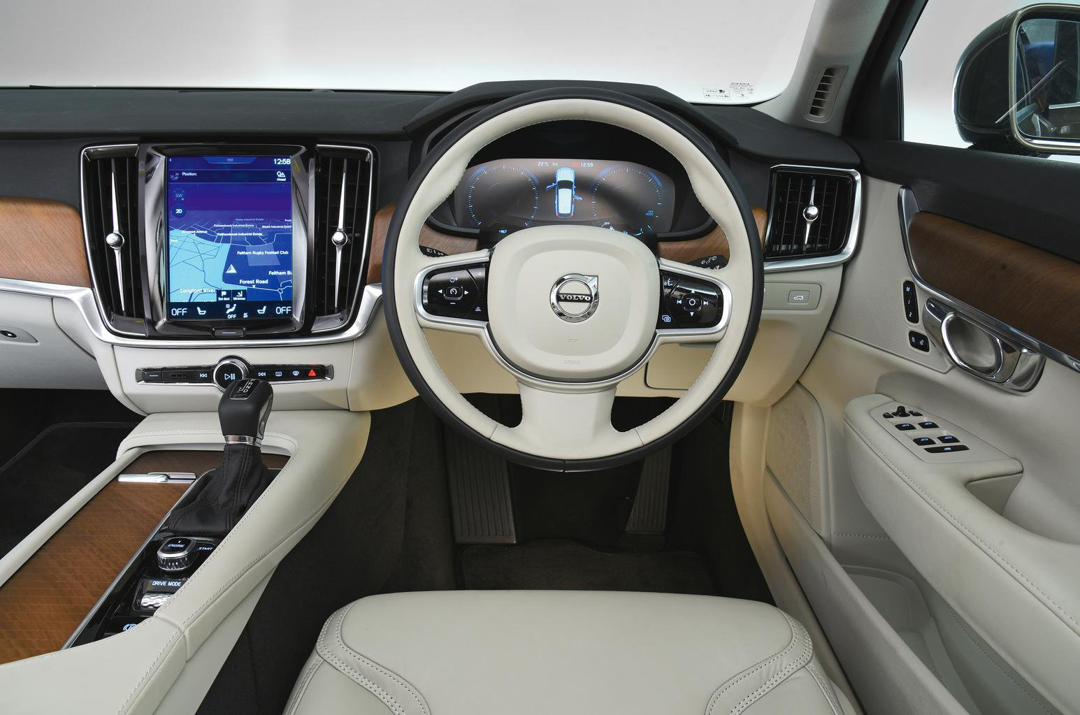 2017 Volvo V90 Cross Country D5 auto - interior