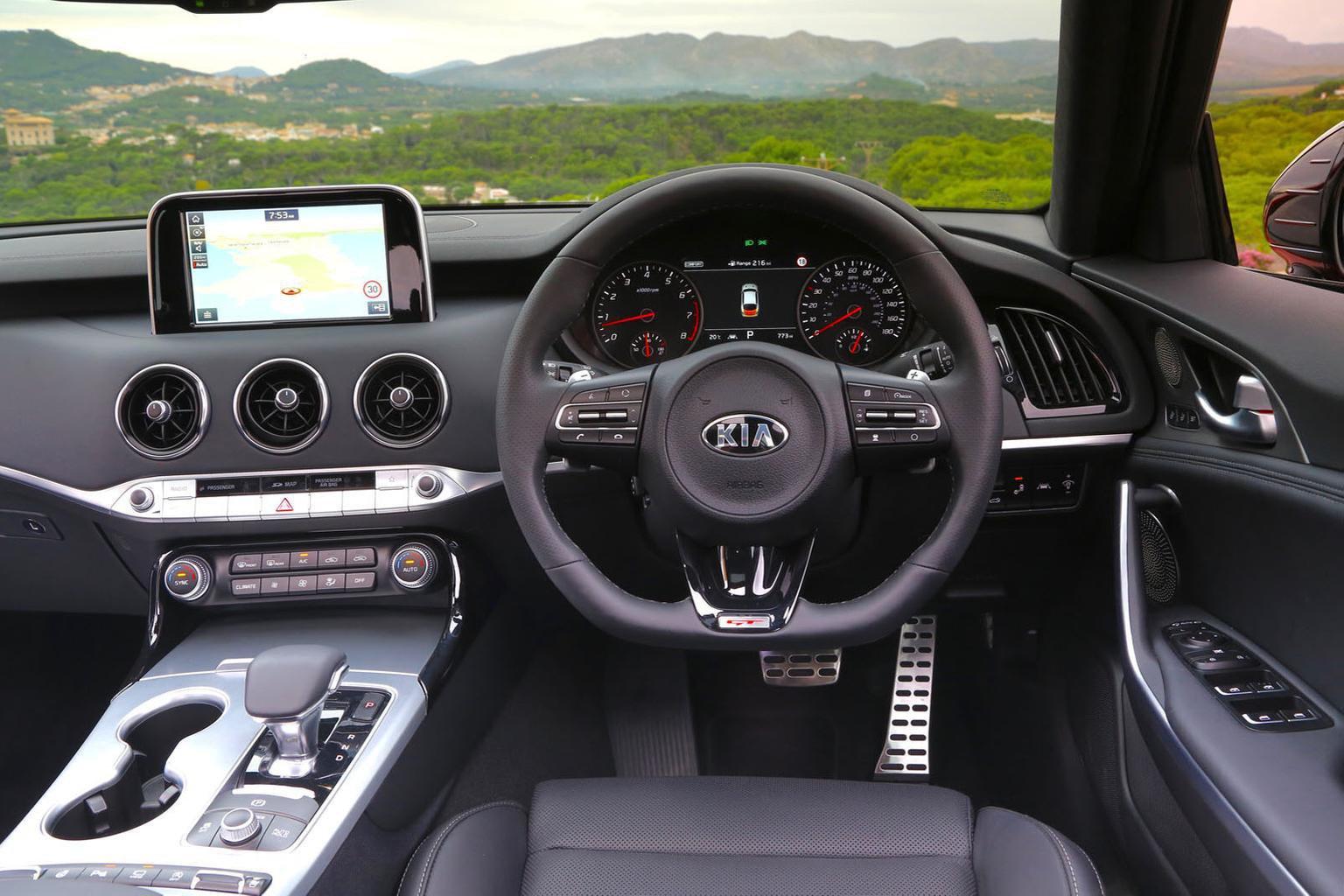 2018 Kia Stinger 2.0 T-GDI GT-Line - interior