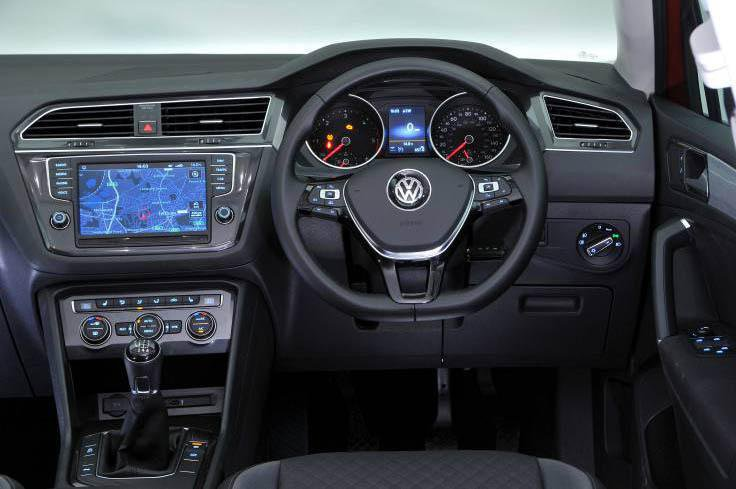 5: Volkswagen Tiguan - interior