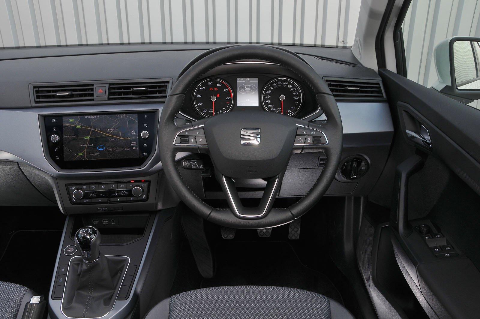 Seat Arona 1.0 TSI SE - interior