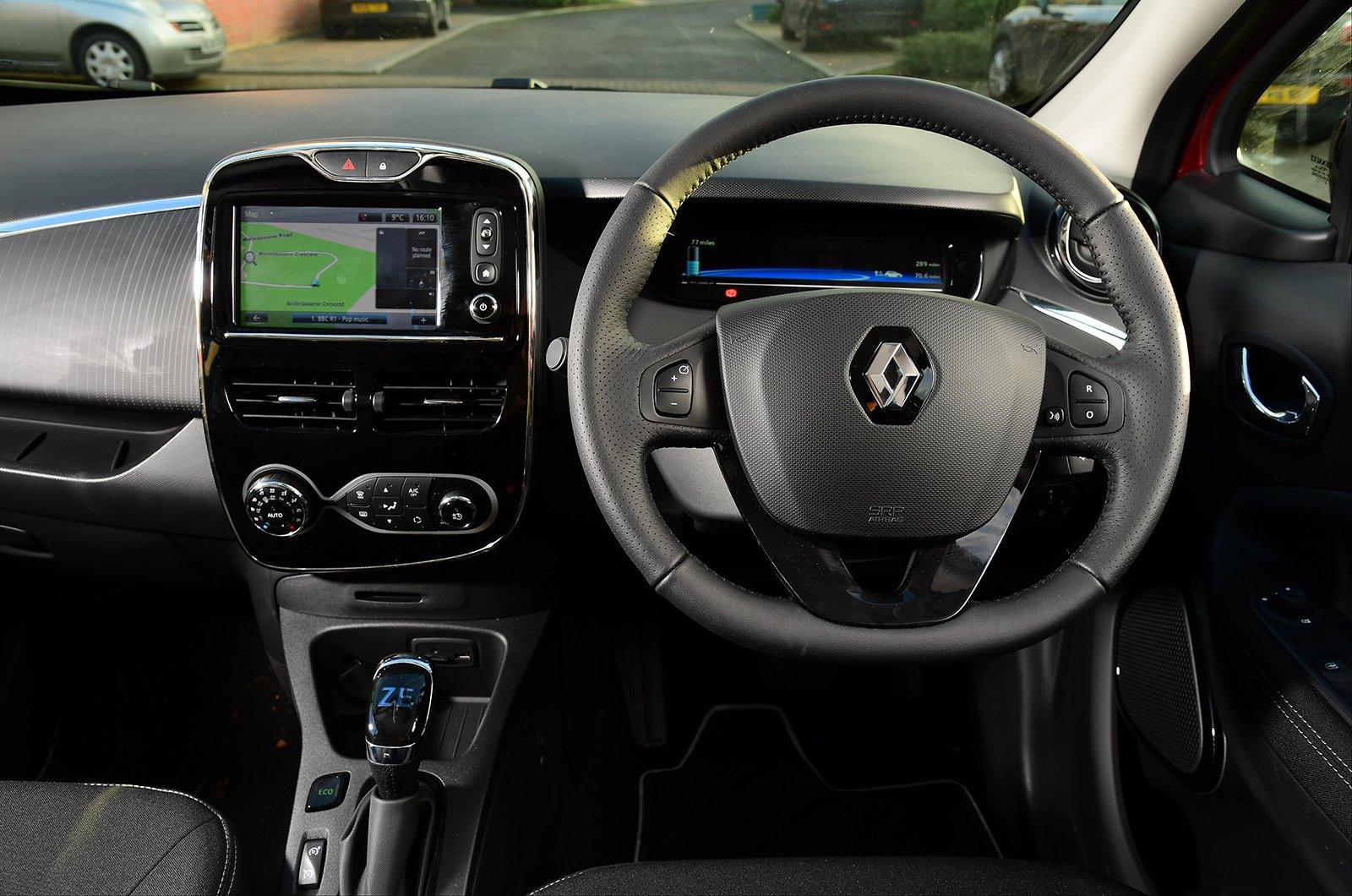 1: Renault Zoe - interior
