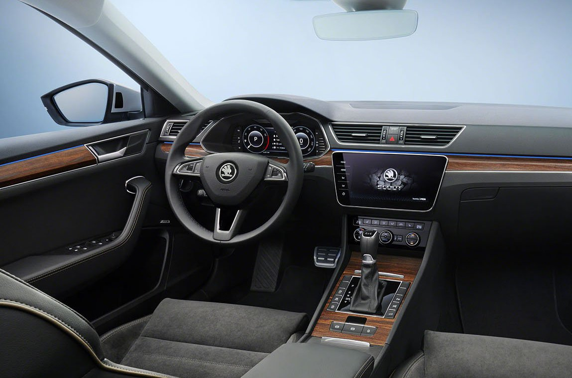 2020 Skoda Superb dashboard
