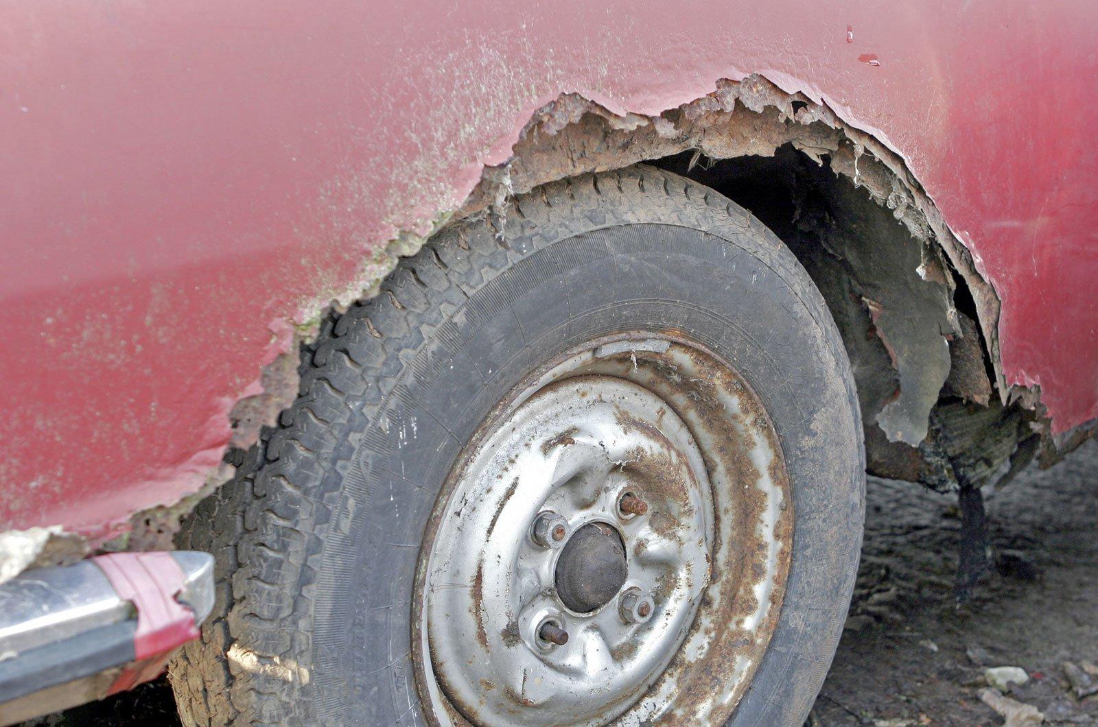 Rusting car