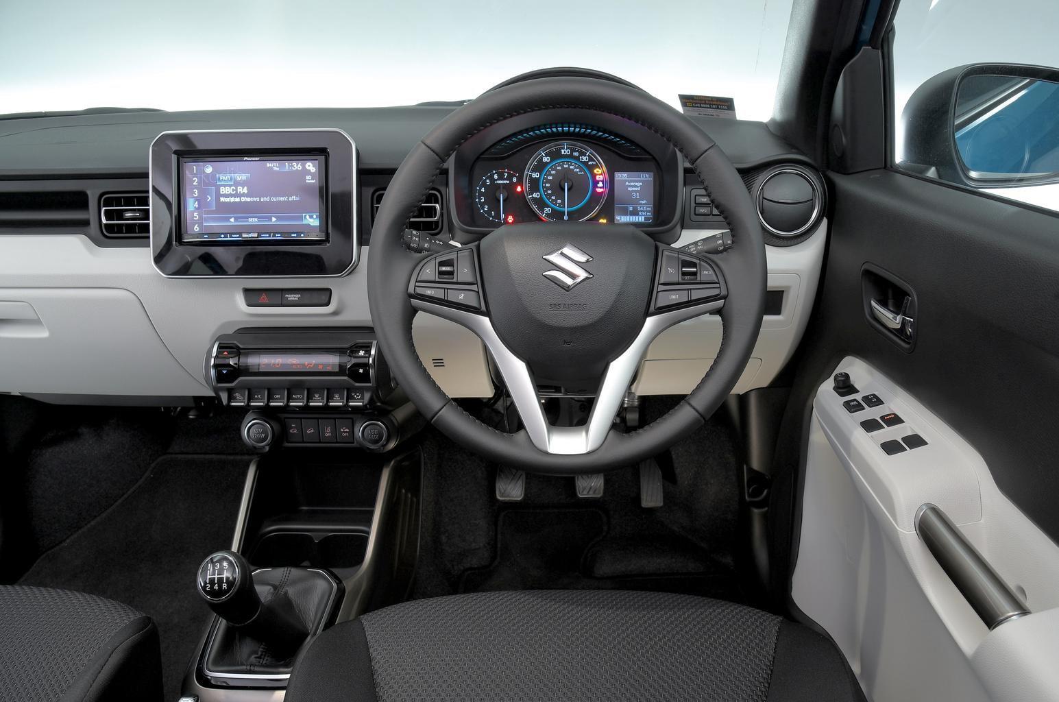 Suzuki Ignis 1.2 Dualjet SHVS SZ5 - interior