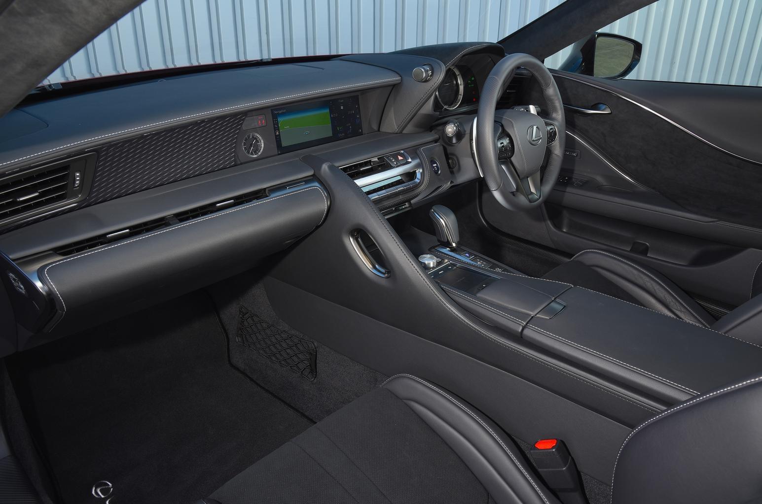 Lexus LC 500h - interior