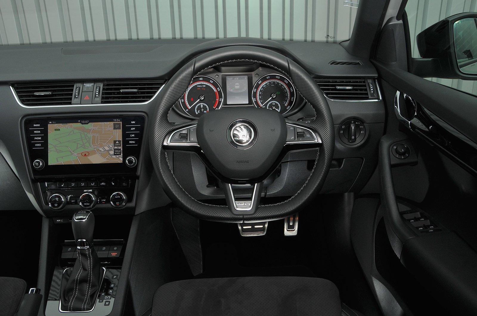Skoda Octavia 2.0 TDI CR SE L DSG - interior