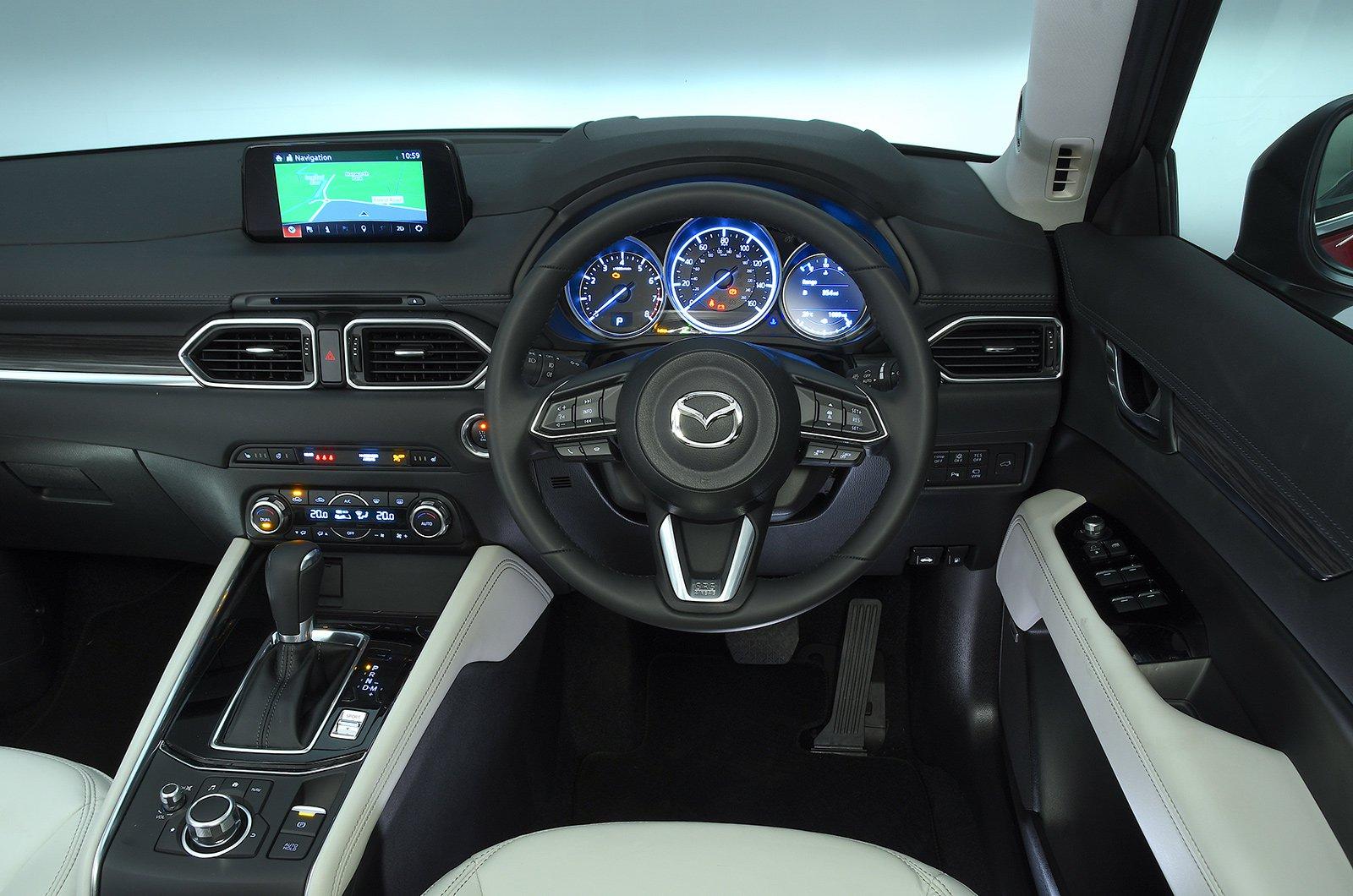 Mazda CX-5 2.2d SE-L Nav+ auto - interior