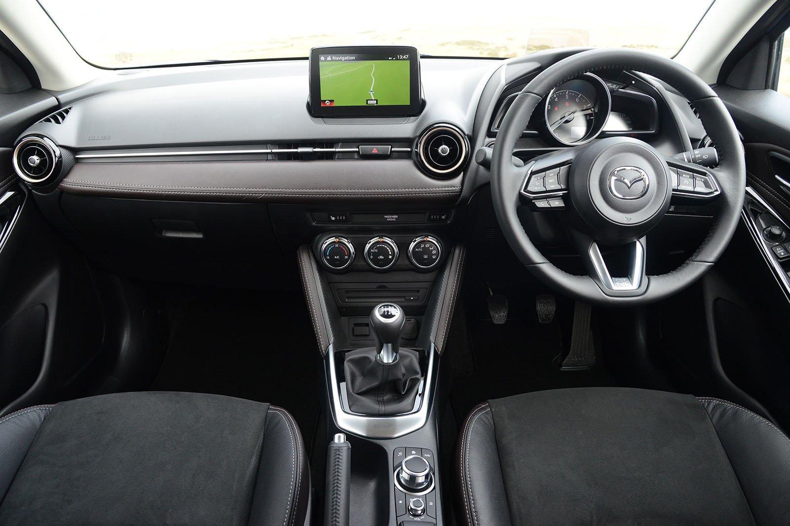 Mazda 2 1.5 75 SE+ - interior