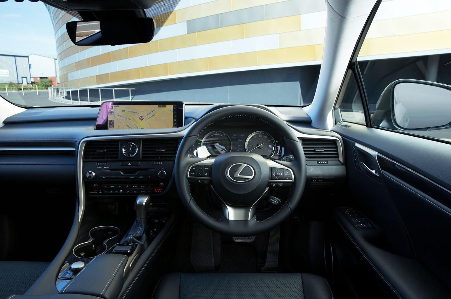 Lexus RX 450h L - interior